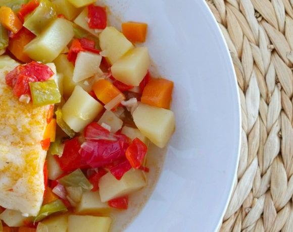 bacalao estofado con patatas y pimientos