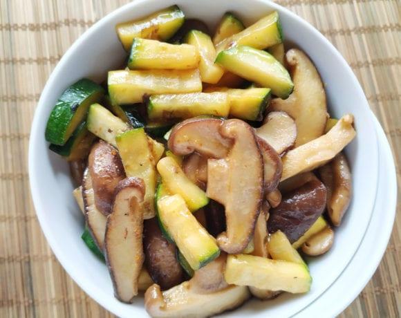 calabacín y shiitake