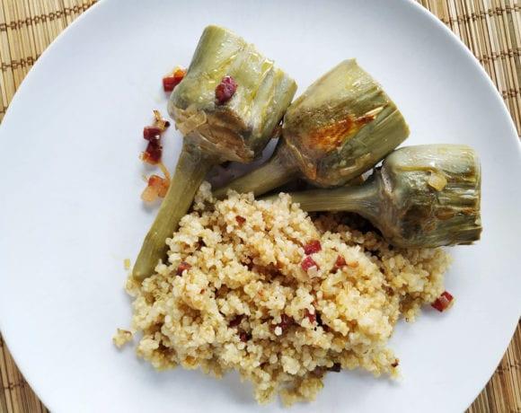 alcachofas y quinoa con jamón