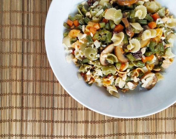 champiñón con judias verdes, pasas y pasta