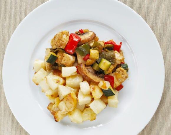 pollo adobado con hortalizas y patatas
